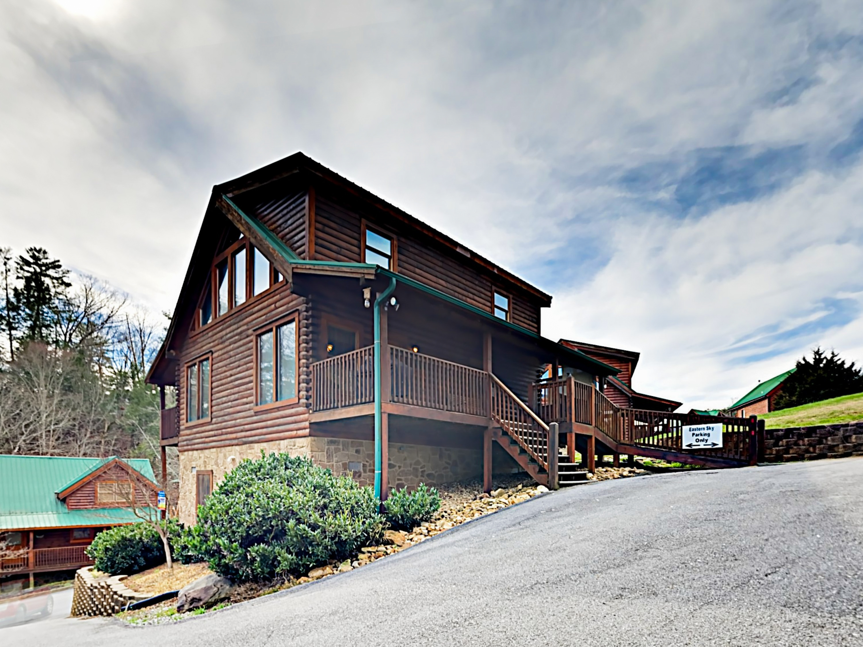 """Eastern Sky"" Mountain Retreat Pigeon Forge Cabin rental"