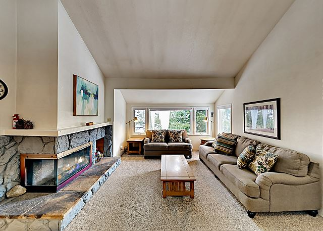 Stateline CA Vacation Rental Welcome! This condo