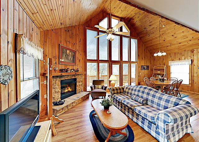 Sevierville TN Vacation Rental Floor-to-ceiling windows, a