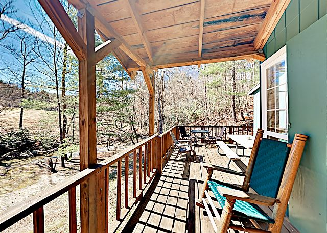 Hendersonville NC Vacation Rental Welcome! This secluded