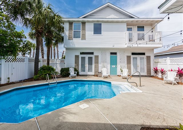 New Listing! Carriage House w/ Pool, Walk to Gulf | TurnKey
