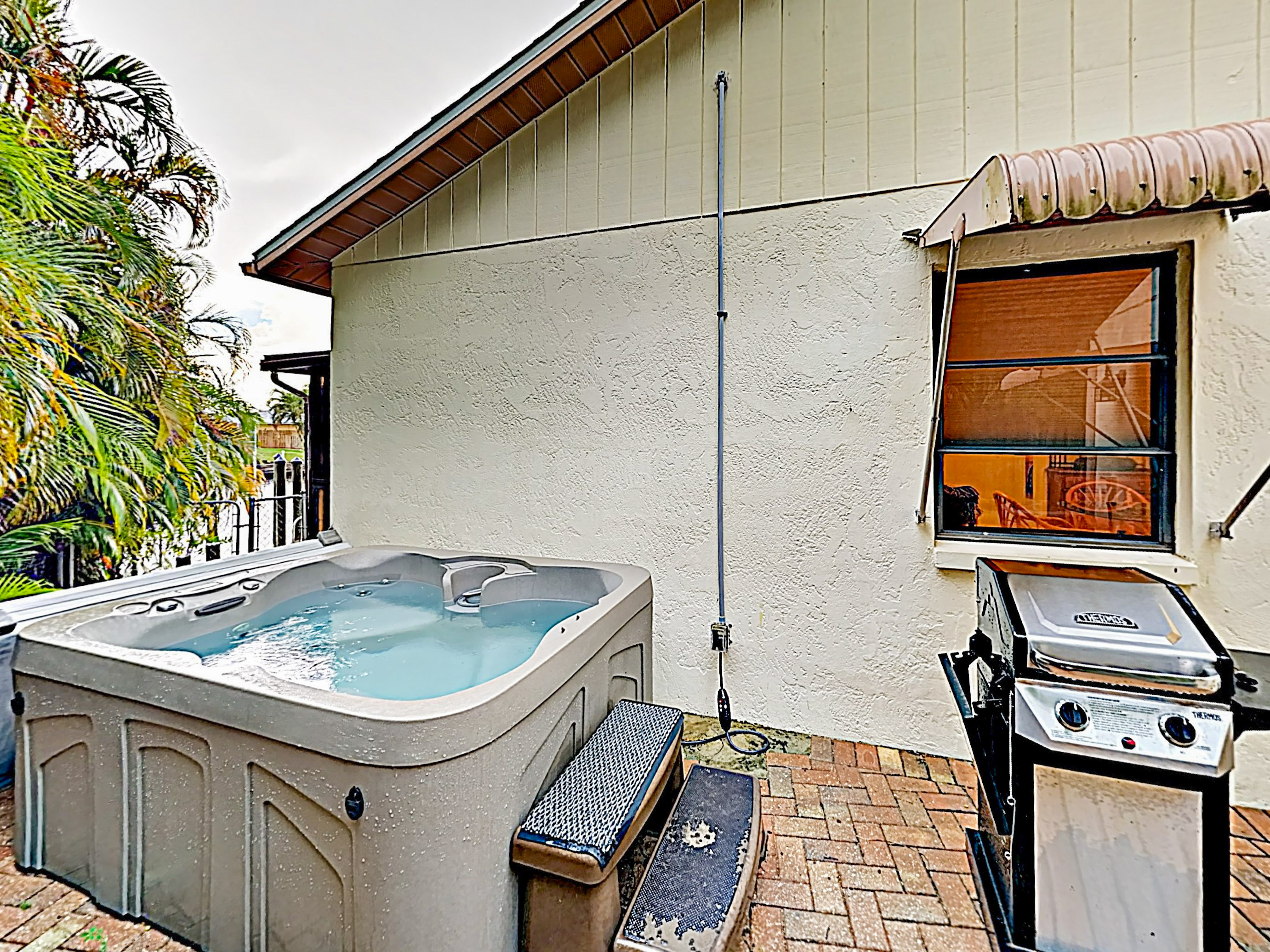 North Fort Myers FL Vacation Rental Soak in the
