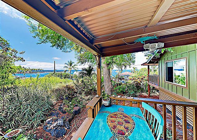 New Listing! Hawaiian Experience- Walk to Two Step