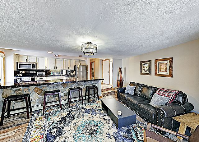 New Listing! Stylish Updated Ski Condo w/ Hot Tubs