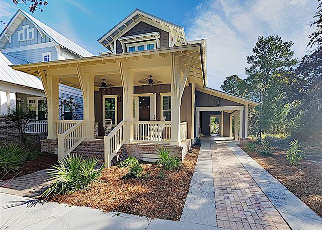 New Listing! Charming Craftsman Home w/ Pool