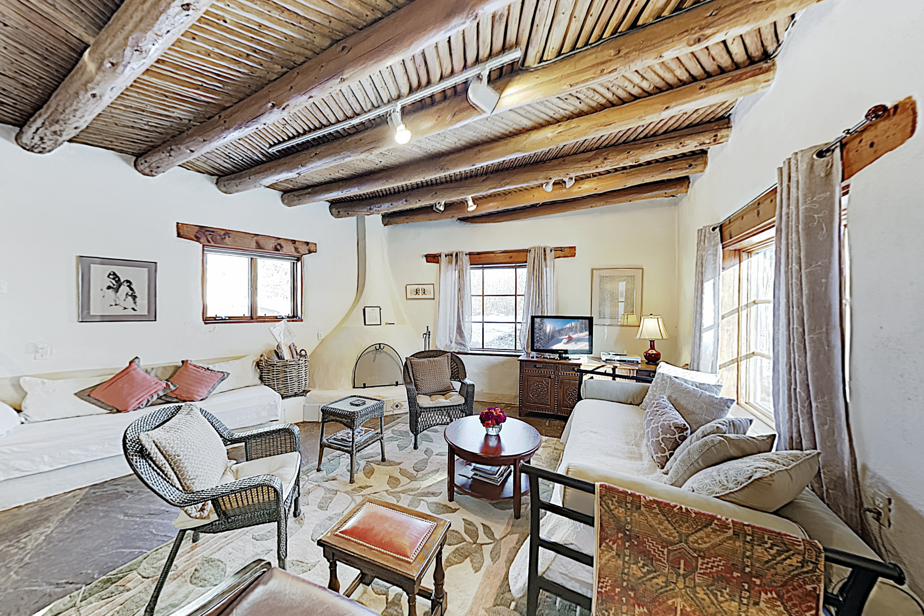 Arroyo Seco NM Vacation Rental Welcome to Lumina