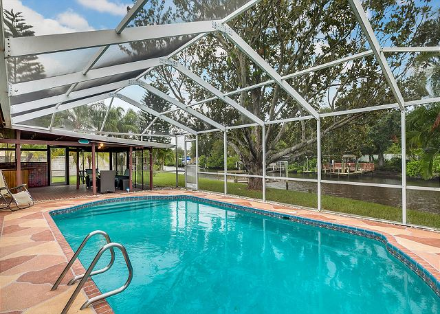 3BR W Private Pool Canal Access