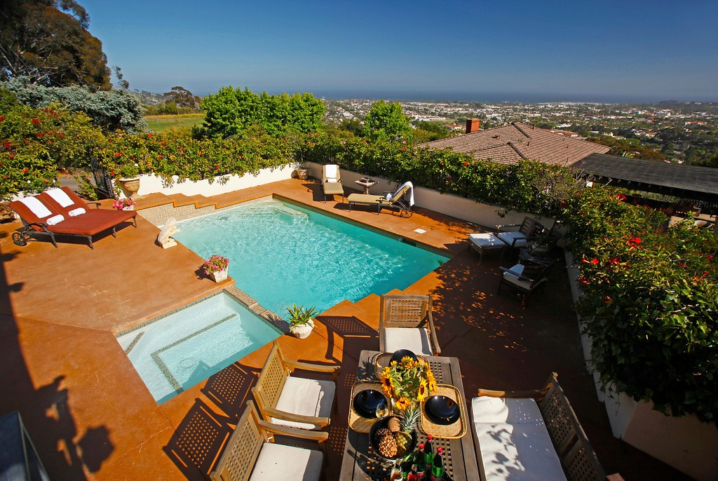 Exceptional Woodland Hills, CA Vacation Rentals | TurnKey