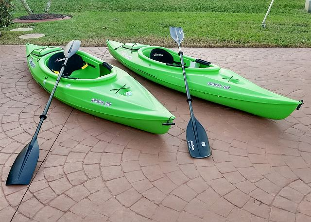 Two kayaks are available for guests to use during their stay.