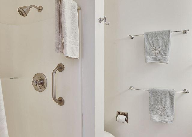 En  Suite Bath Shower