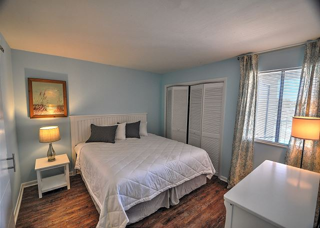 2nd Bedroom with king swing Bed