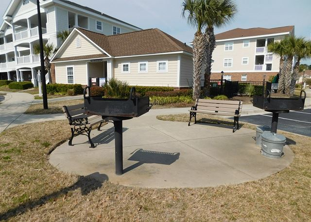Grill Area in Cypress Bend
