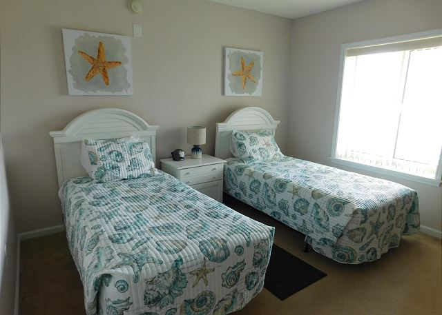 3rd Bedroom with 2 Twins
