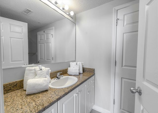 Shared Bathroom for 2nd & 3rd bedrooms