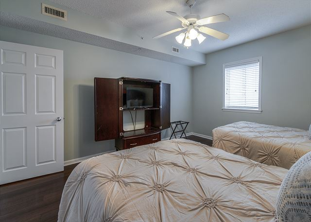 4th Bedroom with 2 double beds