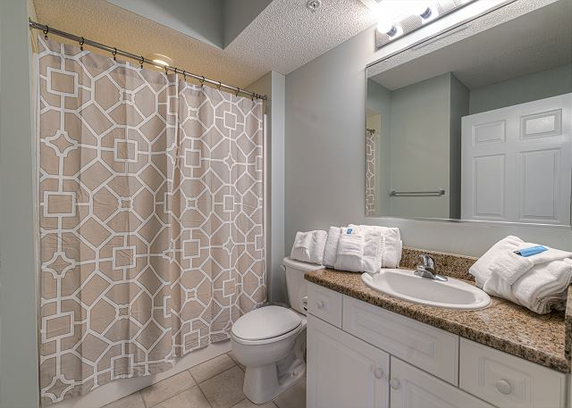 Hall Bathroom connects to 4th Bedroom