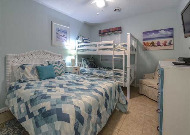 2nd BR with Double & Bunk Beds