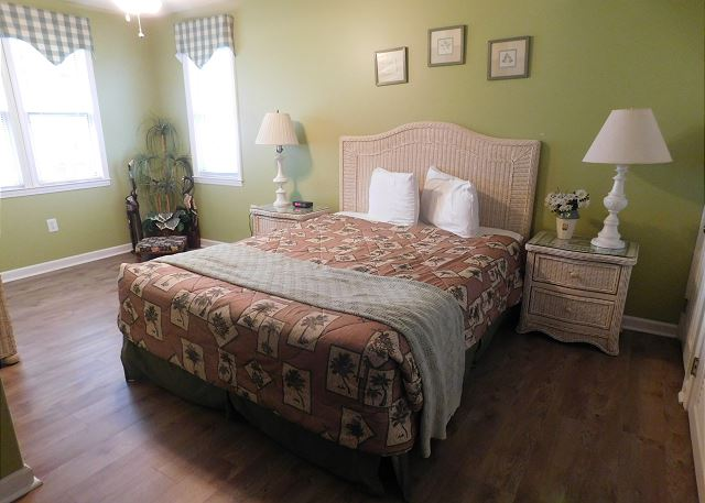 4th BR Queen Bed