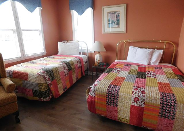 1st BR with Twin & Double Beds