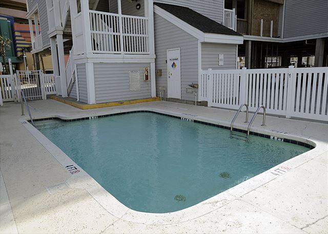 2nd Row Pool