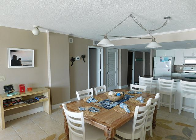 Dining & Living Room Area