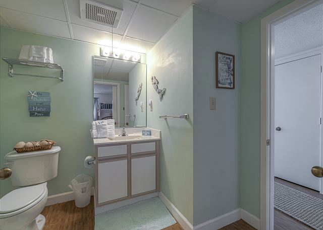 3rd Bathroom in Hallway
