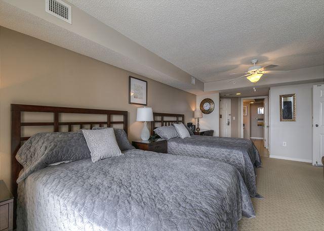 2 Queen Beds in BR 1