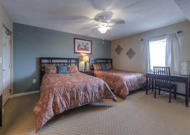 Bedroom 3 with 2 Queens