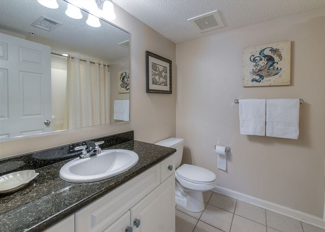 Bathroom in BR1