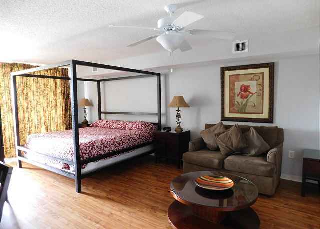 2nd Bedroom with King