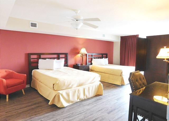 Waterside Bedroom with 2 Queen beds