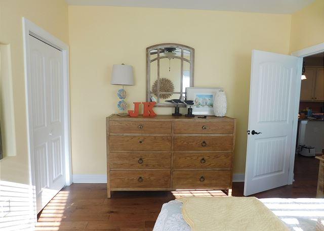 2nd BR Dresser Area