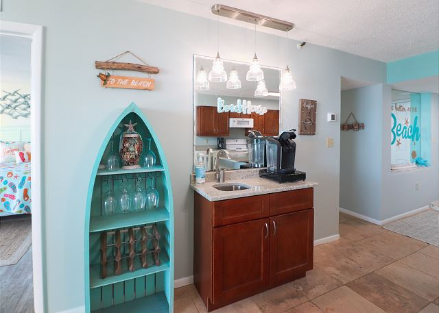 Wet Bar in Sea Winds 608