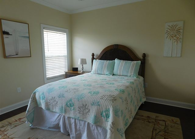 4th Bedroom with Queen Bed