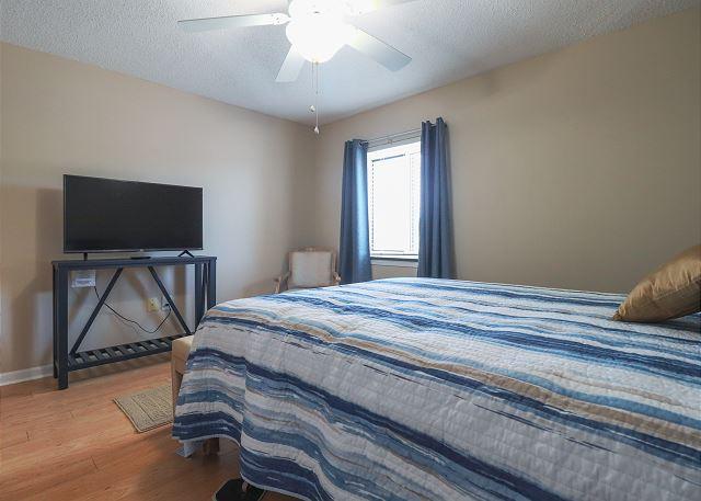 2nd Bedroom TV with Queen Bed