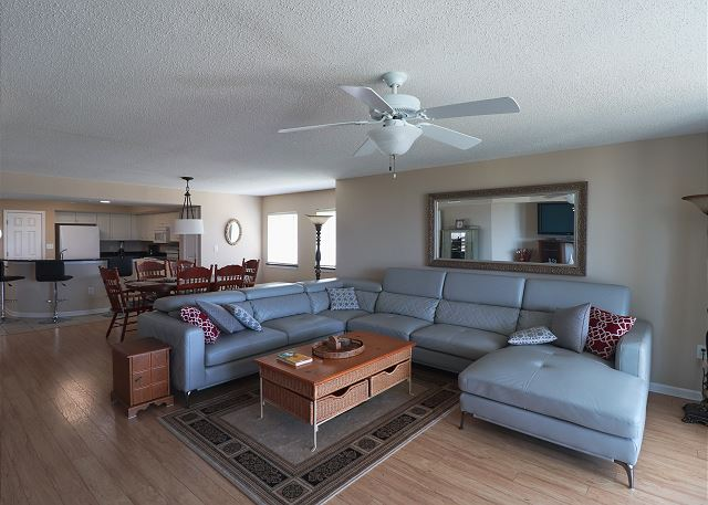 Large Sectional in LR