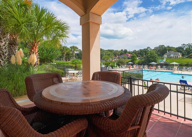 Outdoor Seating at Pool Area