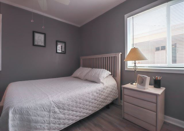 2nd BR with Full Bed