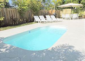 Casa Balboa 5/3 FOR 12+ HEATED Pool 5 Minutes to Beach