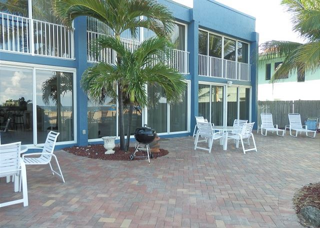 Full Ocean View Luxury Villa 5/4 For 18 Heated Pool Beachfront - Pompano Beach, Florida