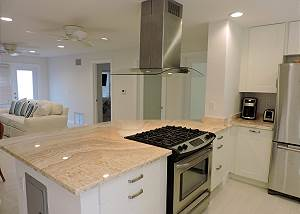 Luxury Condo Hollywood Beach 2/2 for 6 ALL NEW