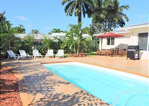 Casa Casino 3/3 for 8 Huge Pool & Yard,Near Beaches, Shopp