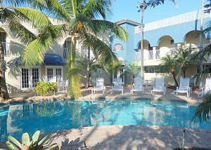 Blue Ocean Villa 1 2/2 for 7 Beachfront & Heated Pool