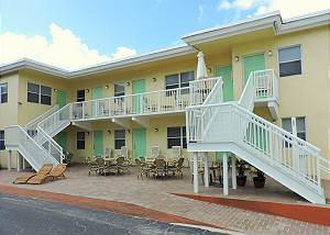 Southwinds Inn # 7 1 Bedroom King  with Kitchen for 5