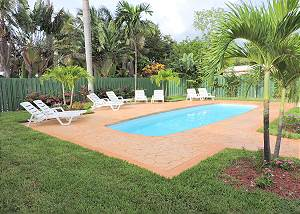 Casa Bella 4/3 For 10+ Heated Pool Close to Hollywood Beach