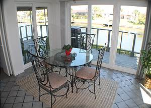 Breakfast nook with seating for four (4).