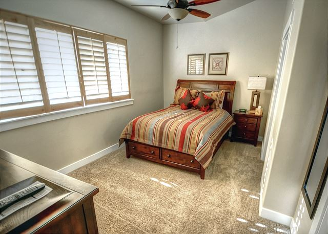 2nd Bedroom with Queen Bed, Ceiling Fan and TV