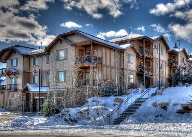 Bear Hollow Lodges