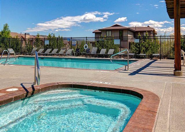 Bear Hollow Community Pool and Hot Tub