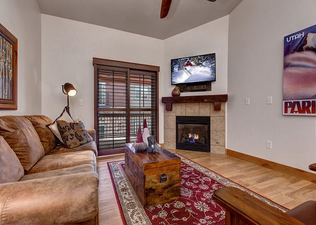 Main Living Room with Gas Fireplace, TV, DVD and Queen Sleeper Sofa